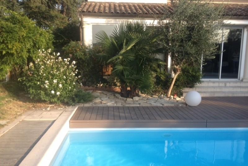 187-plage-de-piscine-en-bois-composite-a-saint-bernard-ain