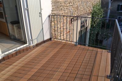 408-balcon-en-bois-exotique-a-dardilly-rhone