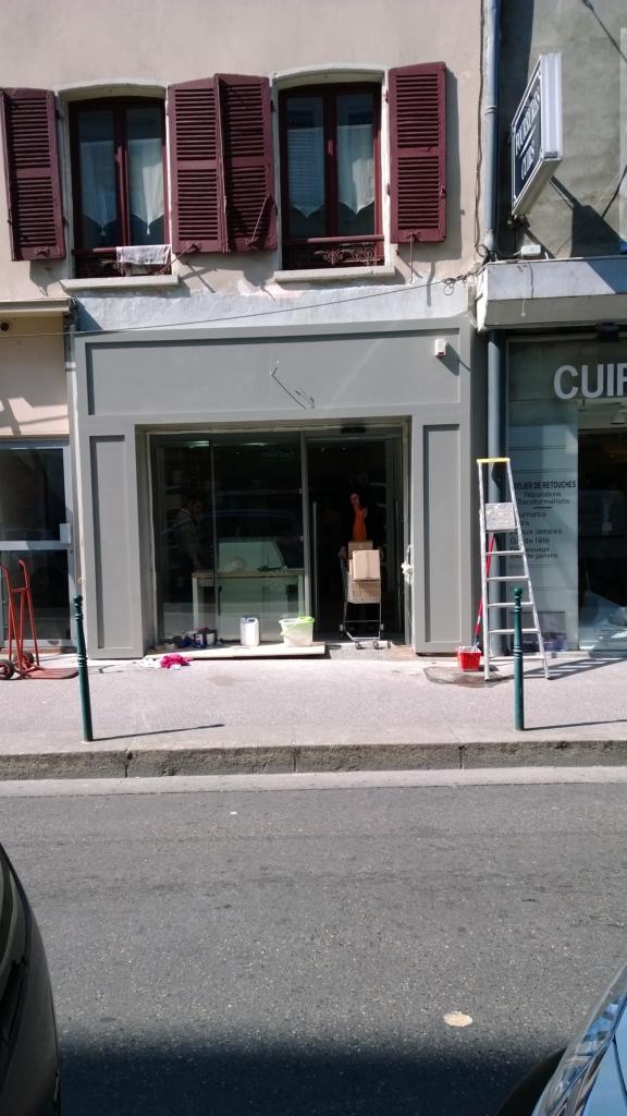 435-habillage-bois-devanture-magasin-a-lyon