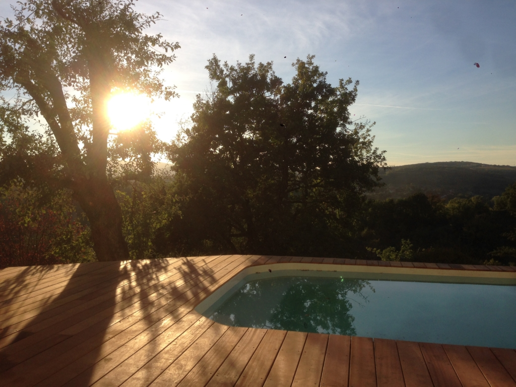 453-belle-plage-de-piscine-hors-sol-sur-la-commune-de-belmont-sur-azergues