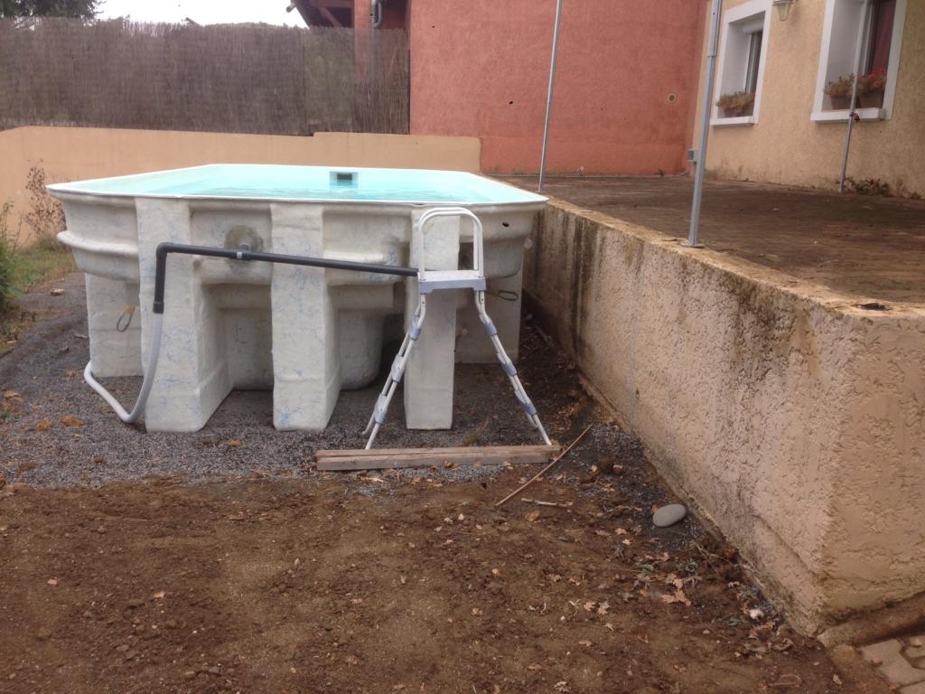 467-belle-plage-de-piscine-hors-sol-sur-la-commune-de-belmont-sur-azergues