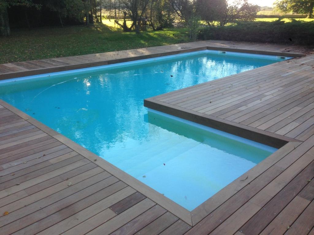 500-belle-plage-de-piscine-en-bois-exotique-ipe-a-savignieux-ain