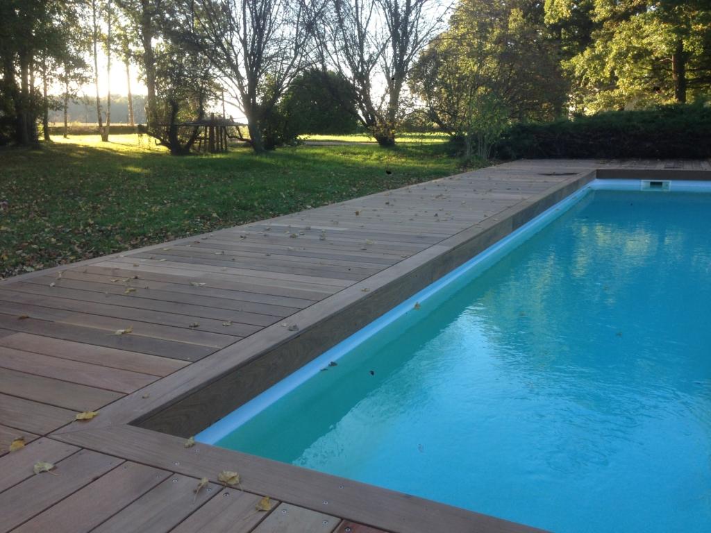 504-belle-plage-de-piscine-en-bois-exotique-ipe-a-savignieux-ain