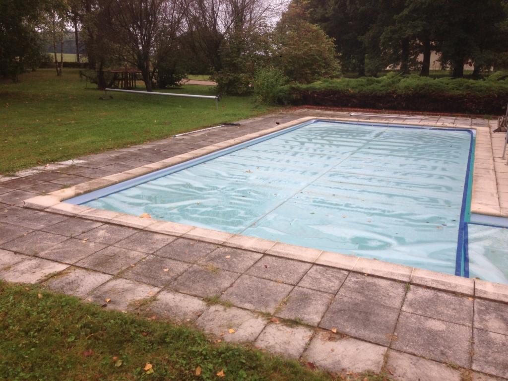 508-belle-plage-de-piscine-en-bois-exotique-ipe-a-savignieux-ain