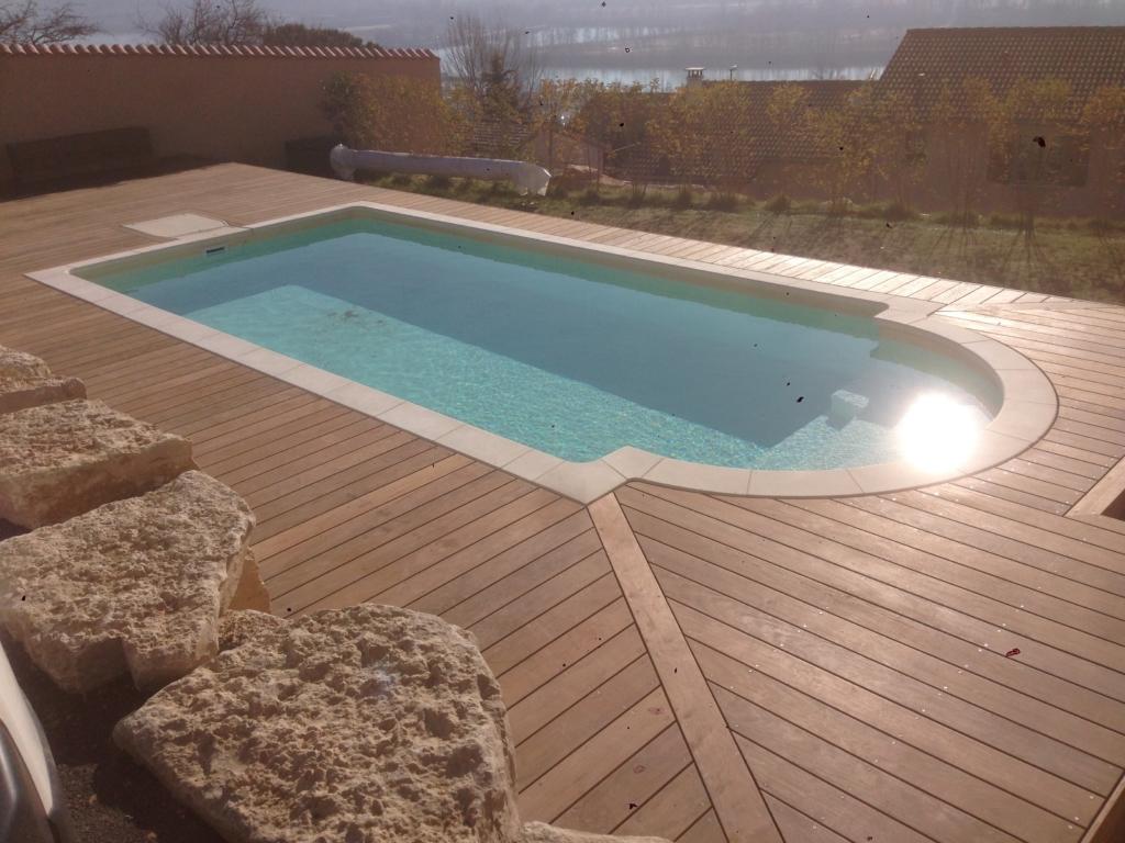 542-plage-de-piscine-en-bois-exotique-ipe-a-chasse-sur-rhone