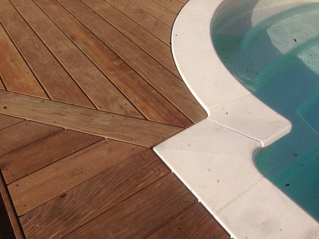 546-plage-de-piscine-en-bois-exotique-ipe-a-chasse-sur-rhone